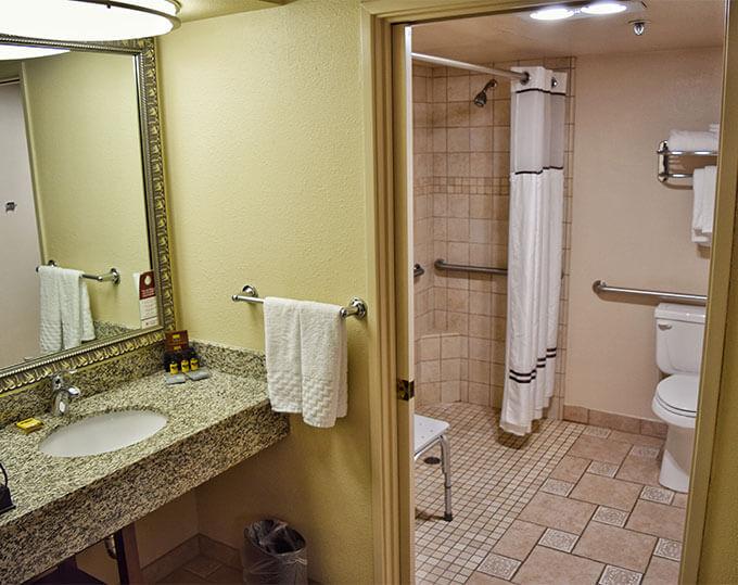 Ada Compliant Roll In Shower-best Western Plus Inn California