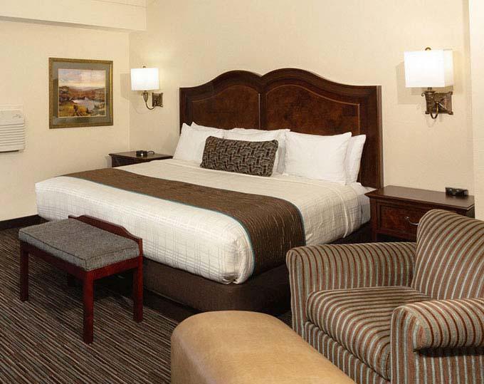 Best Western Plus Inn At The Vines Napa California Loft Suite Bedroom Image