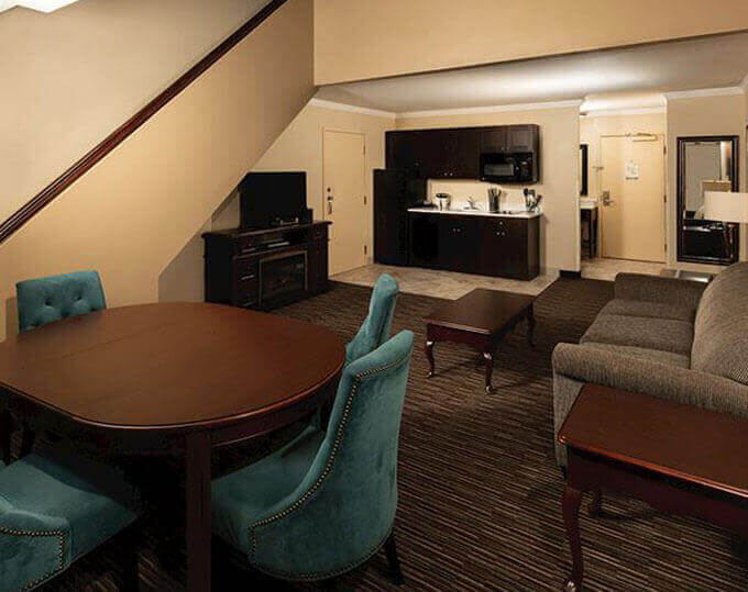 Best Western Plus Inn At The Vines Napa California Luxurious Two-Story Loft Suite Image
