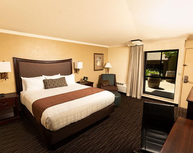 California King-room Best Western Plus Inn California