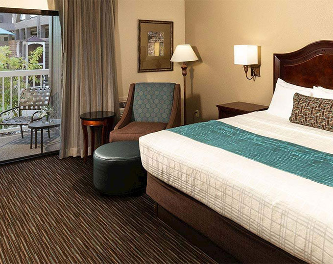 King With Patio Or Balcony Best Western Plus Inn At The Vines California